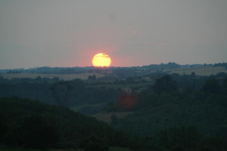 Couché de soleil à Lacroisille.